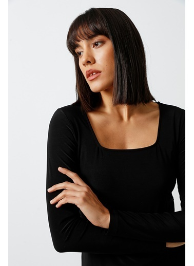 Gusto Kare Yakalı Bluz  Siyah